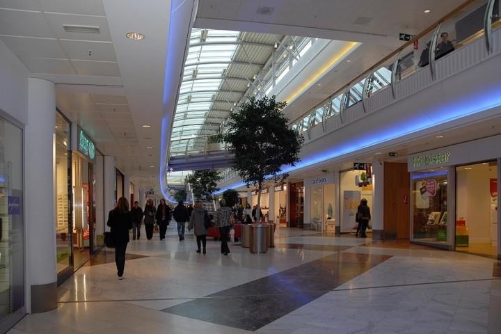 Centre commercial l esplanade louvain la neuve immo pro for Maitrise d ouvrage anglais